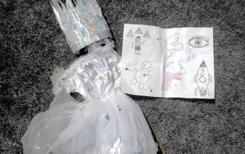 Eisfee-Kostüm mit Liederrätsel