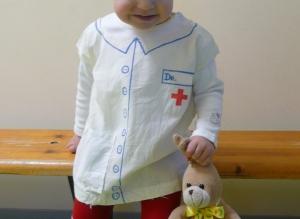 Praktisches Kostüm aus einem Baumwollbeutel.